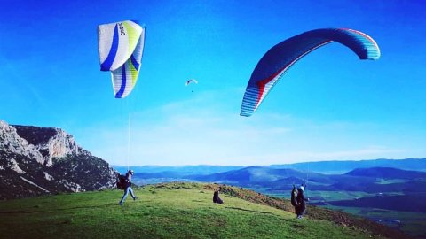 Paragliding Tandem Flights in Plataies near Athens