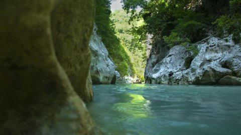 Hiking–Kayaking at the Acheron River