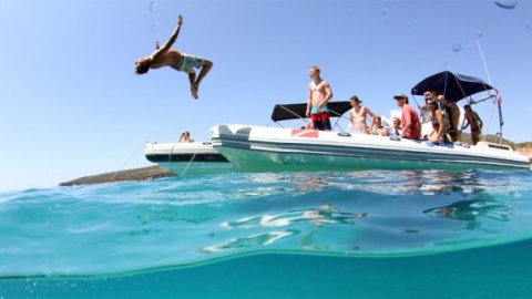 Snorkeling with Boat Lefkada