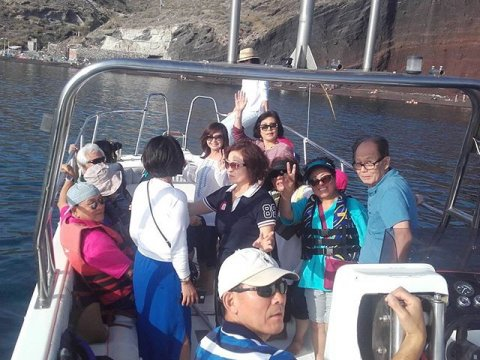 Boat Tour Santorini Greece (3)