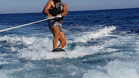 Water Ski-WakeBoard Σαντορίνη