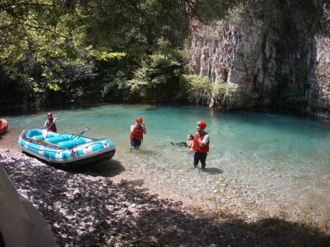voidomatis rafting  Greece Alpine Zone aristi.jpg3