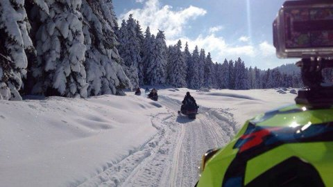 Snowmobile pertouli Greece extreme.jpg4