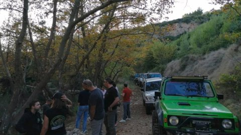 Jeep-safari-greece-marathonas-lake-λιμνη-offroad-4x4 (4)