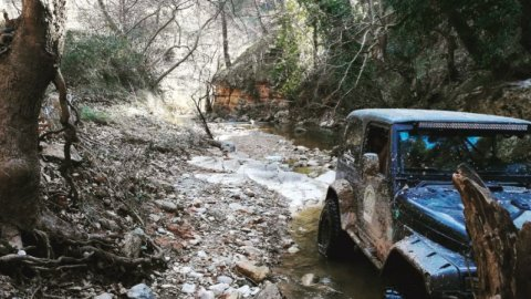 Jeep-safari-greece-marathonas-lake-λιμνη-offroad-4x4 (5)