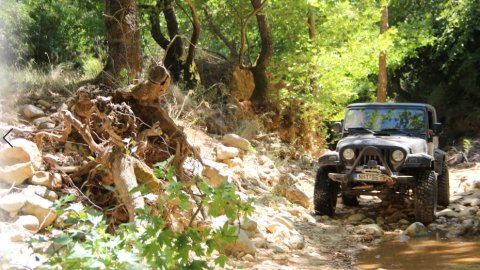 Jeep-safari-greece-derbenoxoria-offroad-4x4-parnitha (5)