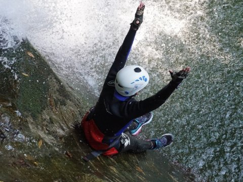 Canyoning-pelion-greece.jpg2