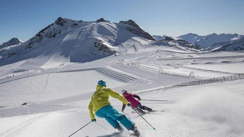 Austria 6 Day Skiing Gletscher Hintertux